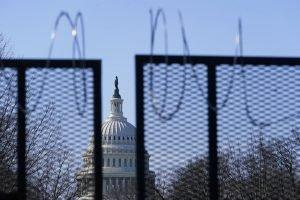 Shooting, 2 officers injured, Capitol on lockdown