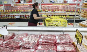Wholesale prices, driven by rising food costs, increased 0.8% in May and by